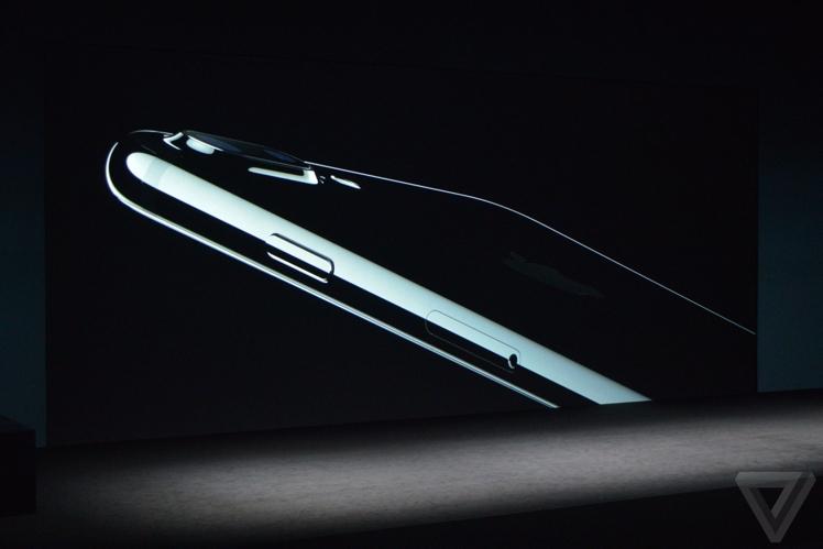 iphone-jetblack
